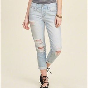 HOLLISTER Distressed Light wash Boyfriend Jeans
